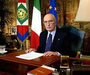 Per l 39 italia per la bandiera dei tre colori e per la for Parlamento della repubblica