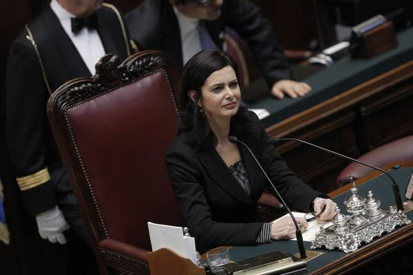 Non una di piu 39 un falso amore porta alla violenza un for Deputati in italia